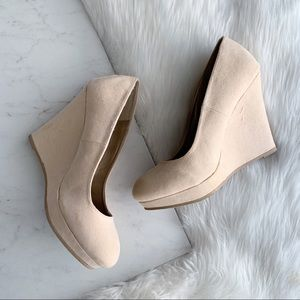 Qupid • Cream/Tan Faux Suede Wedges